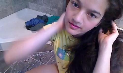 Cute Girl Pooping Freaky Jessi Princess Jess
