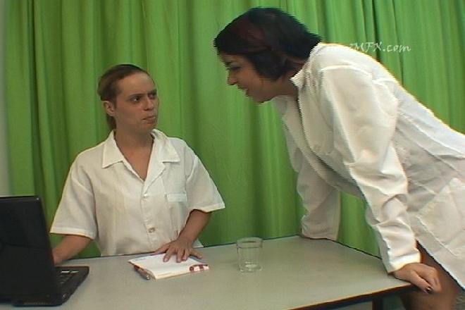 MF-4116-1 Slimy Spit Female Doctor
