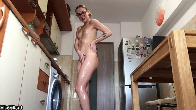 Ella Gilbert - Oily Fisting On My Kitchen Floor Jade Filth