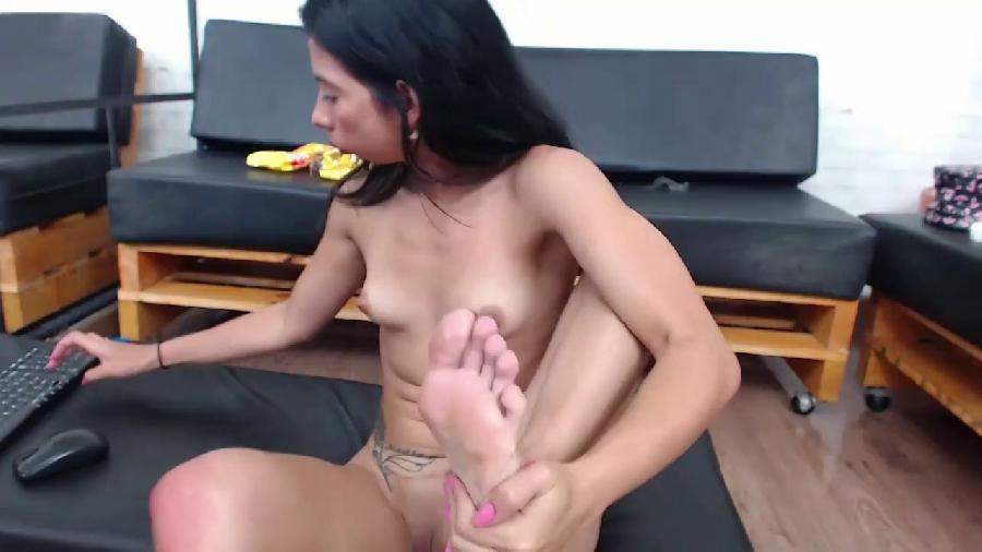 springlight sexy petite latina girl sloppy feetlicking n extreme anal gape
